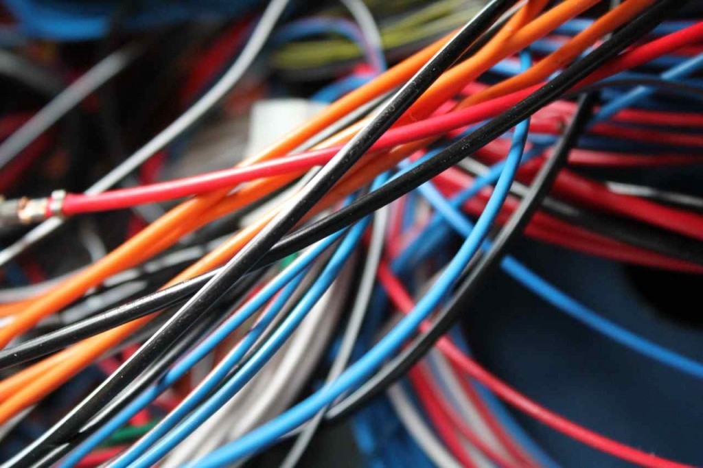 electro34_wires
